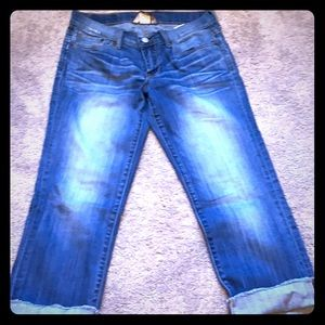 Light Wash Lucky Brand Capri Jeans